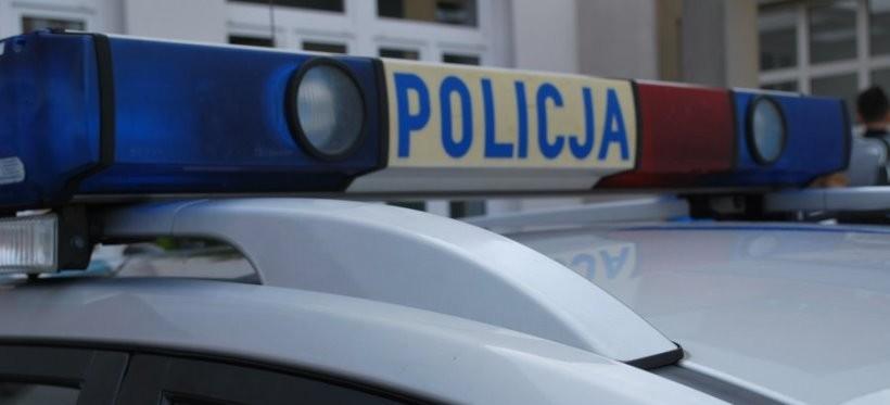 RZESZÓW: Pijany 25-latek wbiegł pod samochód. Ranny trafił do szpitala