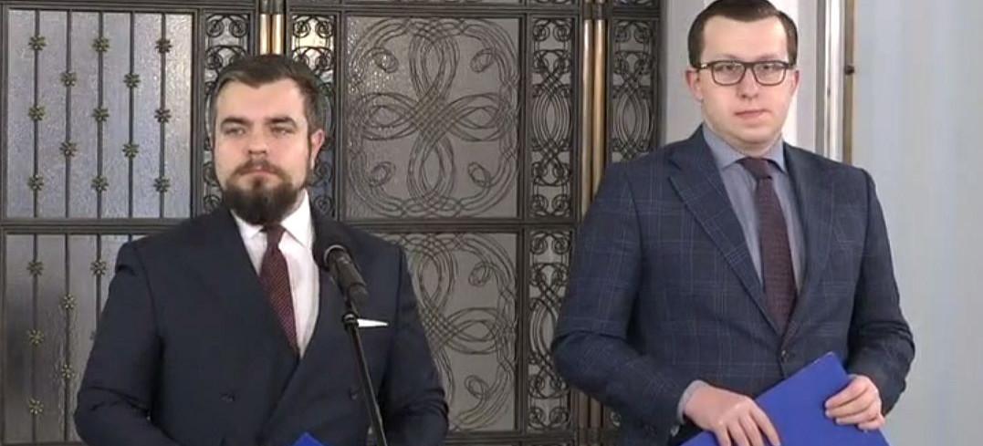 Konfederacja przeciwko podatkowi od reklam i hipokryzji opozycji (VIDEO)