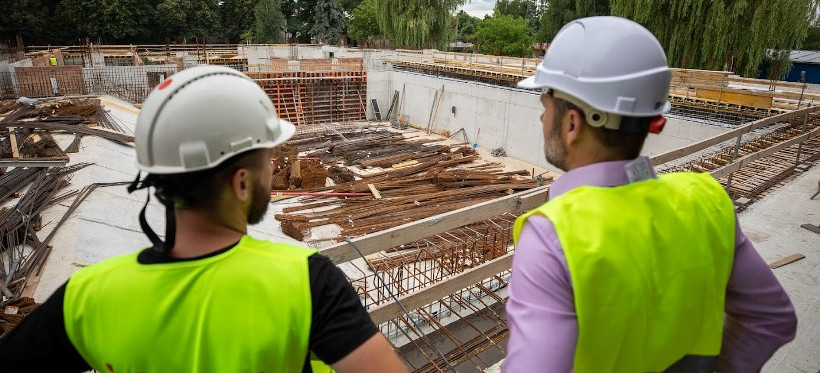 Trwają prace przy budowie basenu przy ul. Matuszczaka w Rzeszowie (FOTO)
