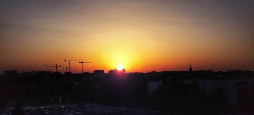 RZESZÓW: Zachód słońca z Podwisłocza! (ZDJĘCIE)