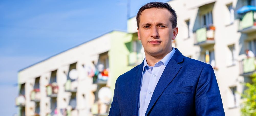 """,,Praca, rozwój, sprowadzanie zewnętrznych firm"""" – wywiad z Szymonem Stapińskim, kandydatem na burmistrza (FOTO)"""