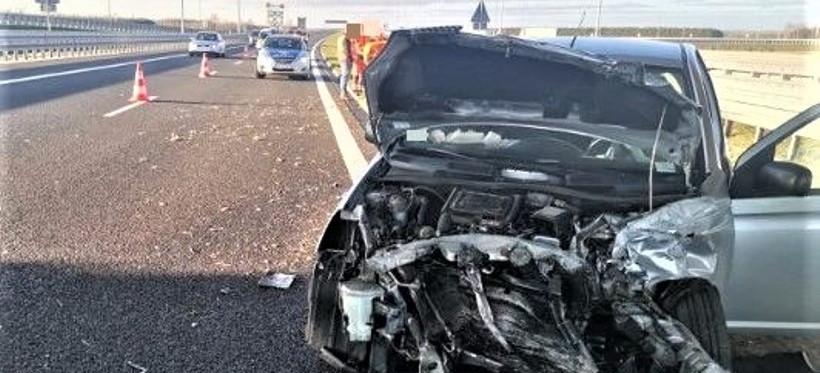 Niebezpieczny wypadek na A4! Dwie osoby ranne (FOTO)