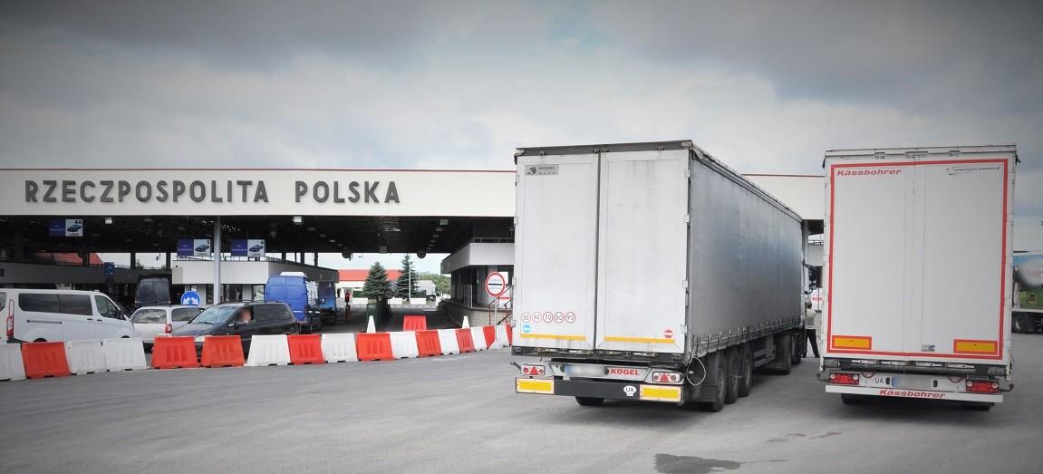 Skradziona naczepa na granicy (FOTO)