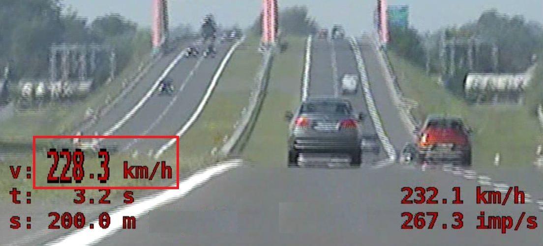 19-latek pędził bmw 228 km/h! (VIDEO)
