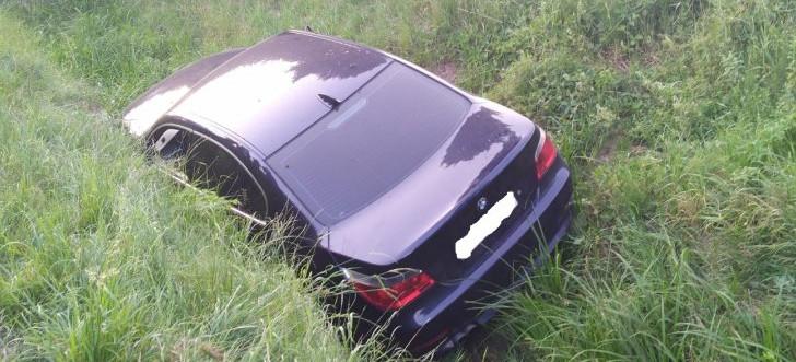 HUMNISKA. BMW w rowie. 33-letni kierowca pijany (ZDJĘCIA)