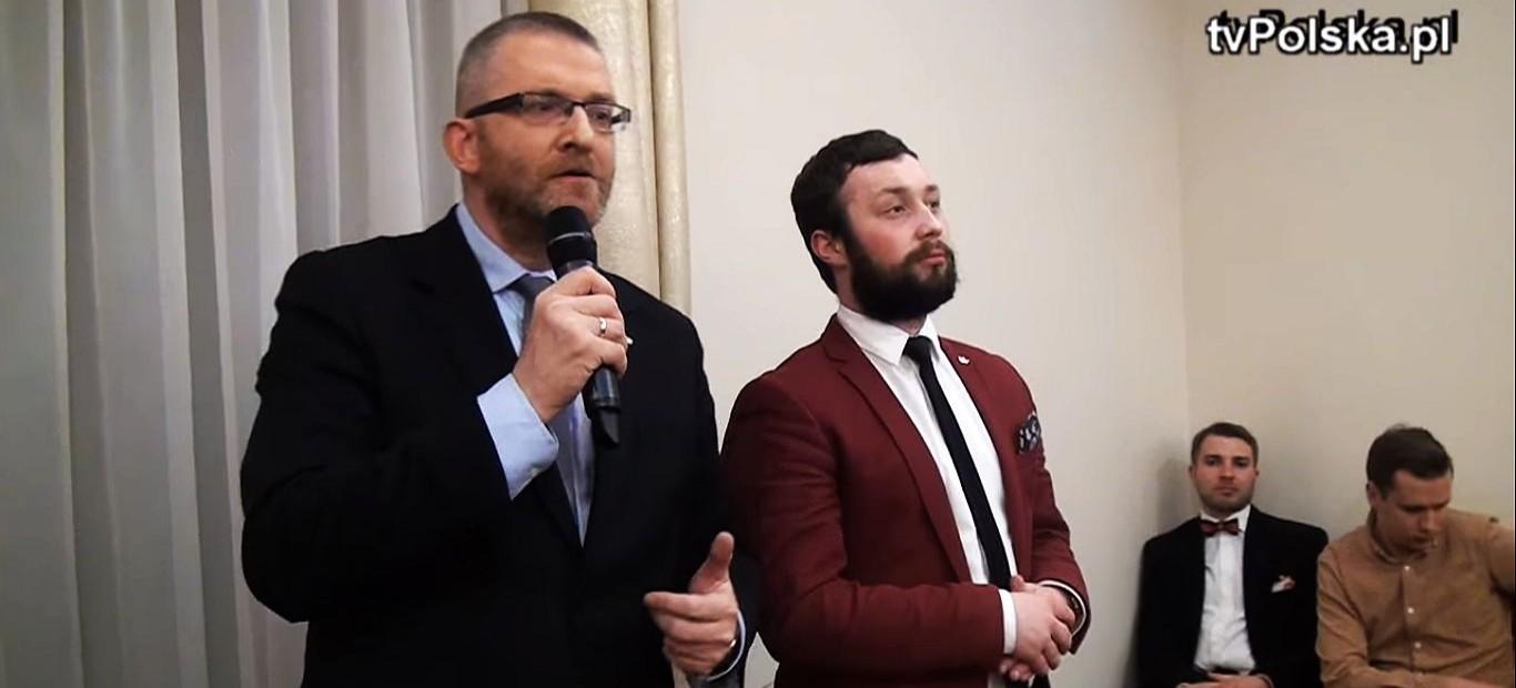 """""""Walczymy o interes Polski"""". Grzegorz Braun na spotkaniu z mieszkańcami (VIDEO x2)"""
