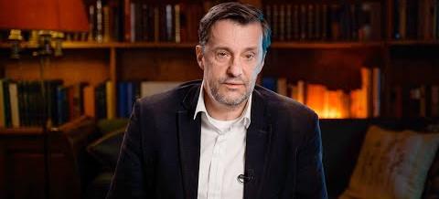 Witold Gadowski: Dlaczego główne media jednogłośnie promują szczepienia