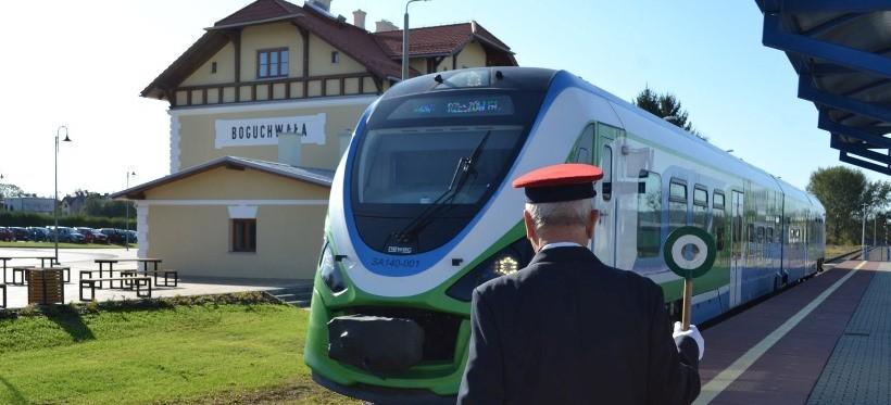 W Boguchwale otwarto wyremontowany dworzec kolejowy