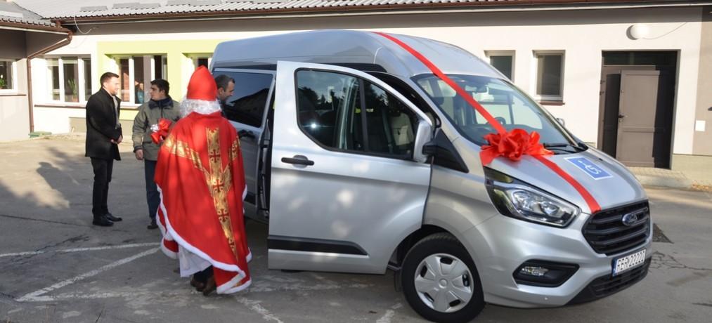 Nowy samochód dla SOSW w Brzozowie (VIDEO, FOTO)