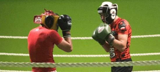 Kamil Rościński powalczy o tytuł zawodowego mistrza Polski! Sparing z utytułowanym kick-bokserem Rafałem Dudkiem (FILM)