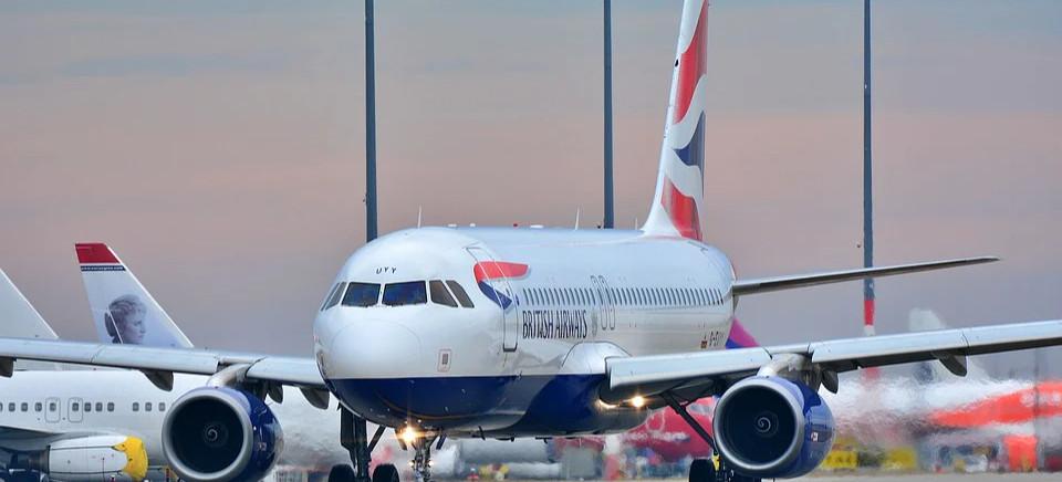 Powrót kolejnych lotów w Jasionce. Dostępne są też rozkłady lotów na sezon zimowy.