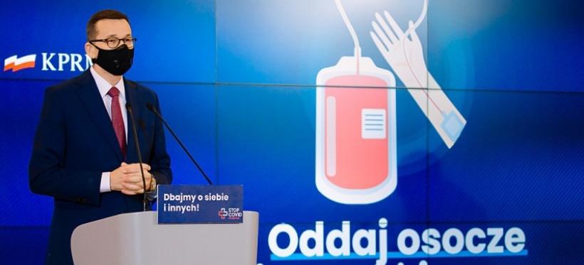 Premier zachęca do oddawania osocza. Bonifikaty dla dawców (WIDEO)