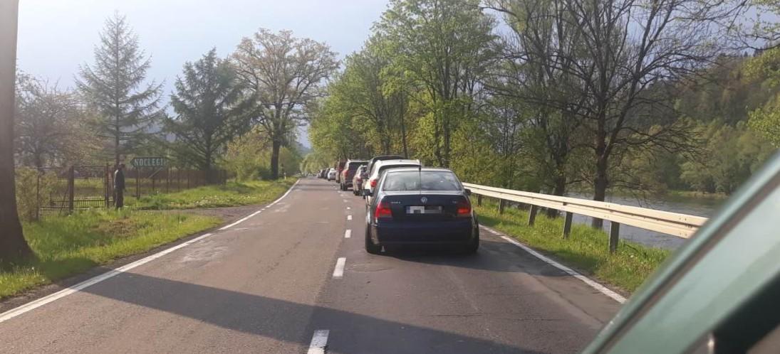 Korek na kilka kilometrów. Tłumy w Bieszczadach (FOTO)