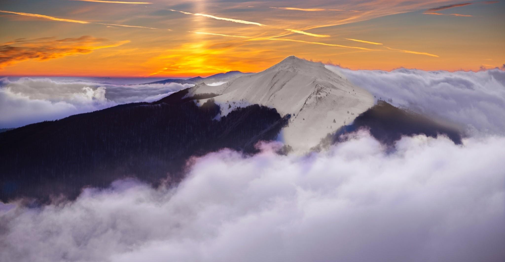 Noc i poranek na Połoninie Wetlińskiej. Urokliwe ujęcia (FOTO)