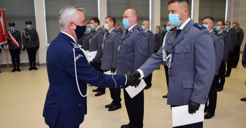 RZESZÓW. 47 policjantów mianowanych na pierwszy stopień oficerski (ZDJĘCIA)