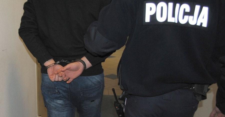 26-latek aresztowany za napaść na policjantów