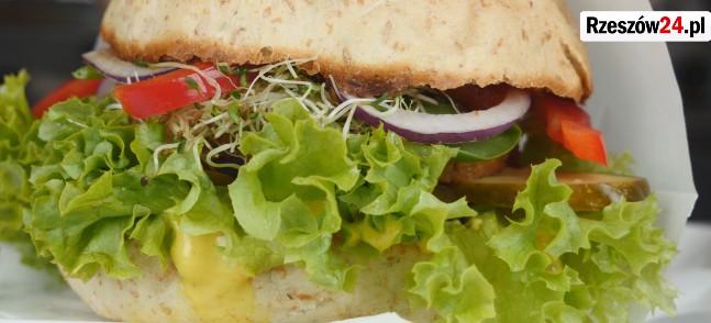 RZESZÓW: Wegańskie jedzenie? Nie tylko dla wegan! (FILM)