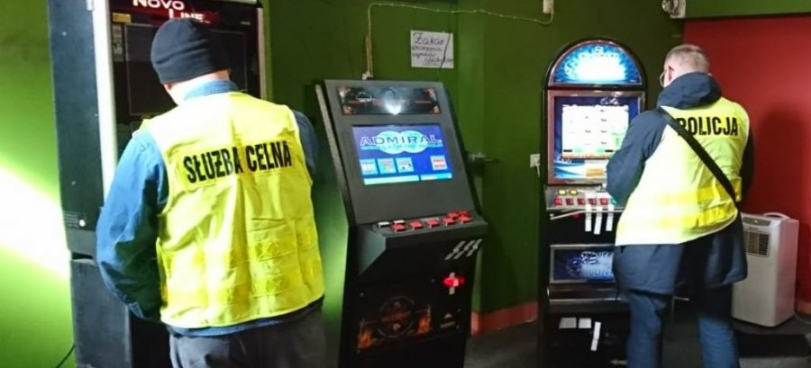 Skonfiskowane nielegalne automaty do hazardu
