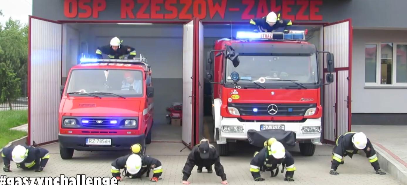#GaszynChallenge. Rzeszowscy strażacy pompują dla chorego Wojtusia! (WIDEO)