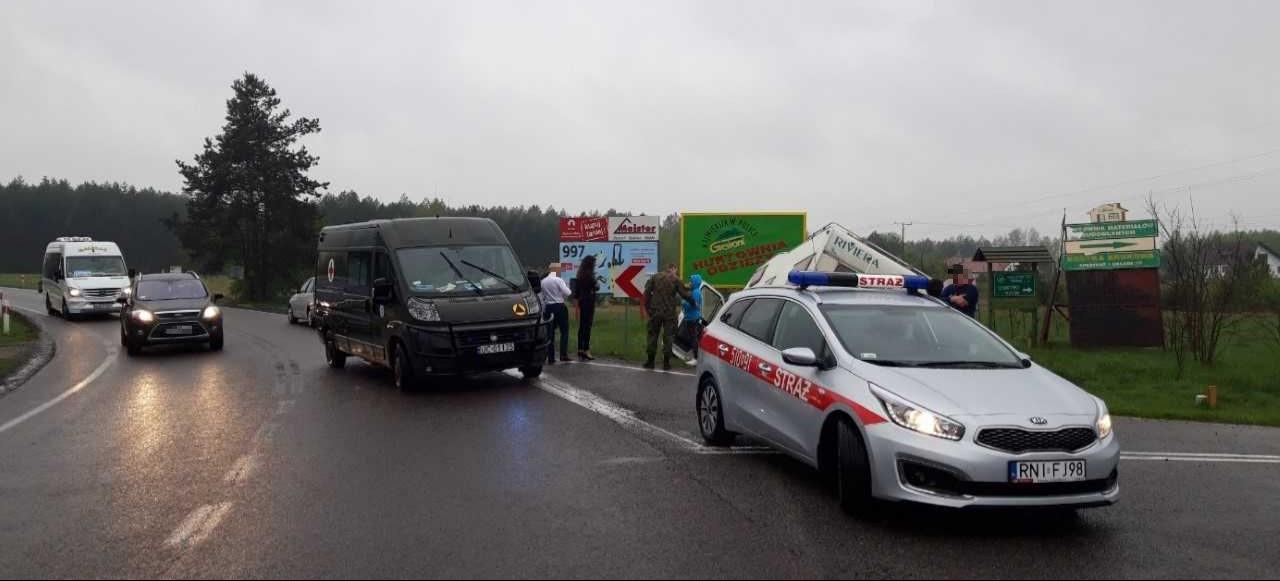 Cztery wypadki na drogach! Żołnierze WOT ruszyli na pomoc (FOTO)