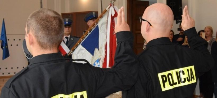 Ślubowanie nowych funkcjonariuszy podkarpackiej policji (ZDJĘCIA)