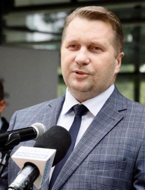 Minister edukacji Przemysław CZARNEK w Rzeszowie. ZAPYTALIŚMY co ze $zczepieniami w szkołach ?