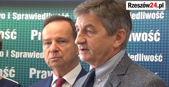 """PiS zaprezentował """"jedynki"""" na listach do sejmiku (VIDEO, ZDJĘCIA)"""