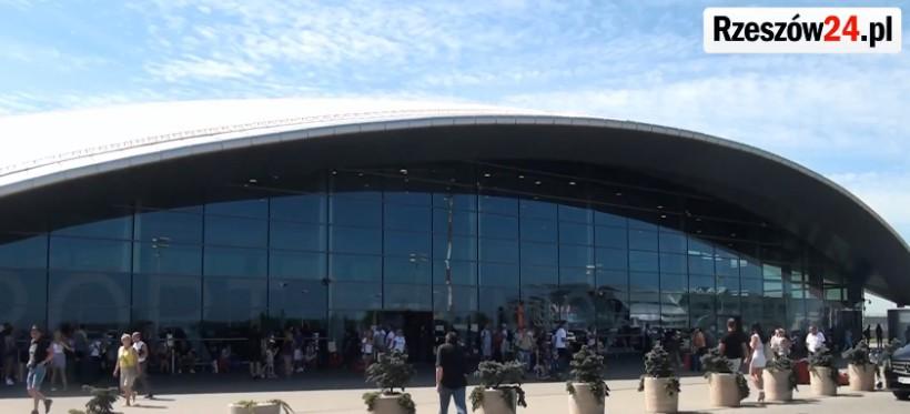 Rekordowy sezon lotniska w Jasionce. Wzrasta popularność lotów czarterowych