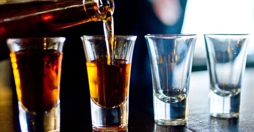 PODKARPACIE. 17-latki ukradły alkohol. Miał być to prezent dla ich kolegi