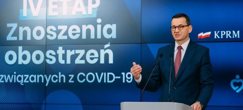 POLSKA. Premier ogłosił znoszenie kolejnych obostrzeń! (WIDEO)