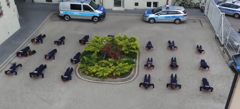 """Rzeszowska policja i podkarpacka KAS """"pompują"""" dla chorych dzieci! (WIDEO)"""