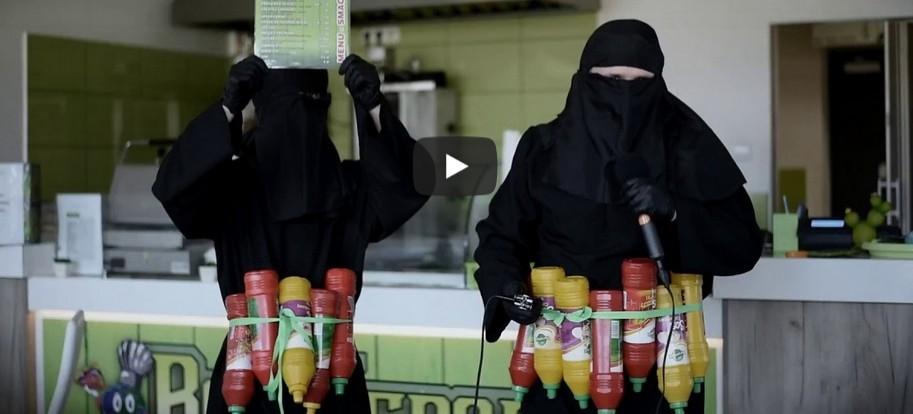 Kontrowersyjna reklama  baru na Podkarpaciu (VIDEO)