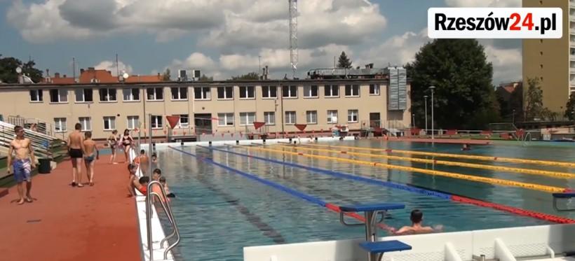 RZESZÓW. Trzy baseny i żwirownia już otwarte! Obowiązuje rygor sanitarny