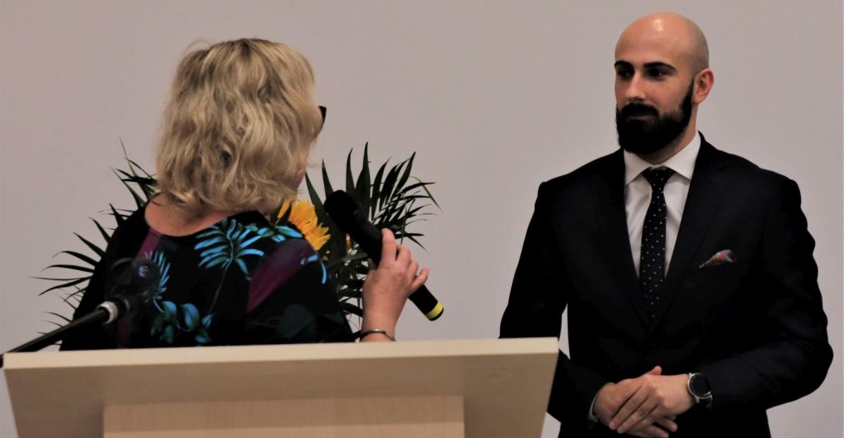 Burmistrz Leska z wotum zaufania oraz jednogłośnym absolutorium