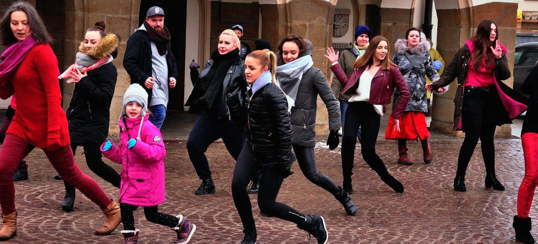 One Bilion Rising. W Walentynki Rzeszów tańczy przeciwko przemocy wobec kobiet!