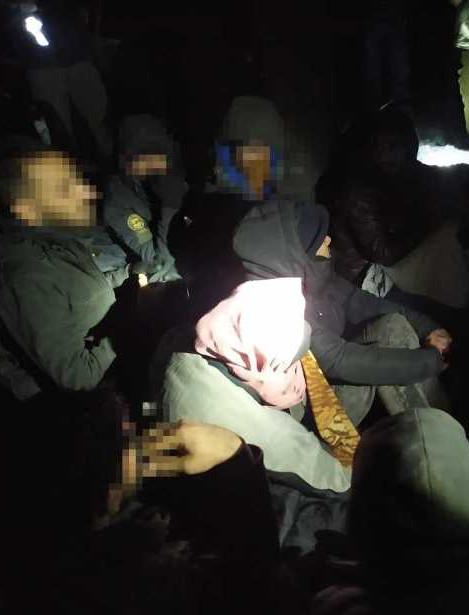 15 nielegalnych imigrantów w naczepie tira! (FOTO)