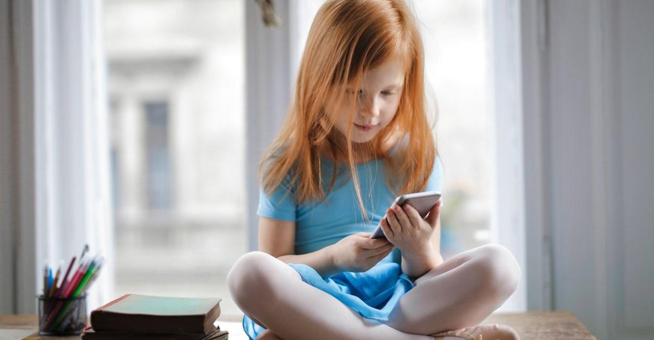 Groźne internetowe wyzwania! Sprawdzajcie, co robią wasze dzieci