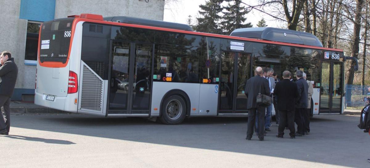 Kierowca autobusu zatrzymał pijanego motorowerzystę. Otrzyma 1000 zł od prezydenta Rzeszowa