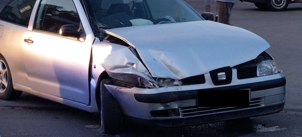 SANOK: Wypadek na Lipińskiego. Jednym z samochodów kierował 17-latek! (ZDJĘCIA)