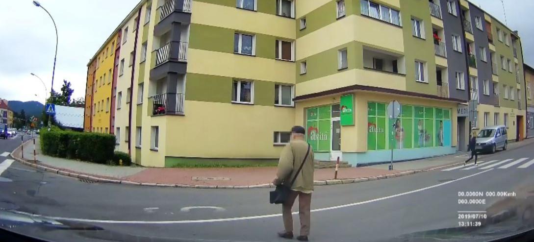 SANOK: Niebezpiecznie zdarzenie nagrane przez samochodową kamerkę (VIDEO)