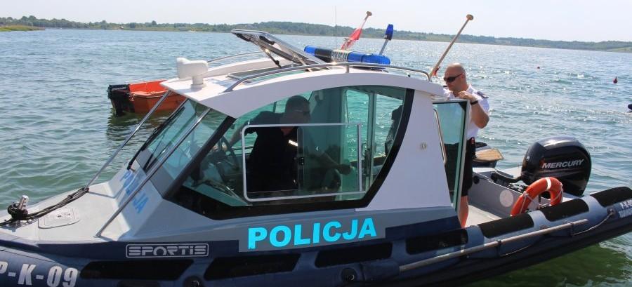 Nastolatek w wodzie, przewrócone żaglówka i kajak. Pracowity czas tarnobrzeskiej policji