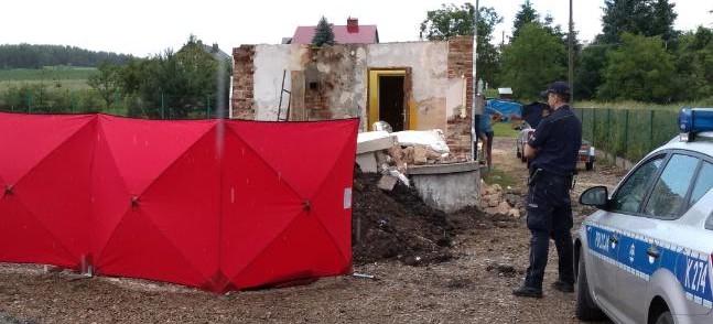 Tragedia na budowie. Na 57-latka spadła ściana (FOTO)