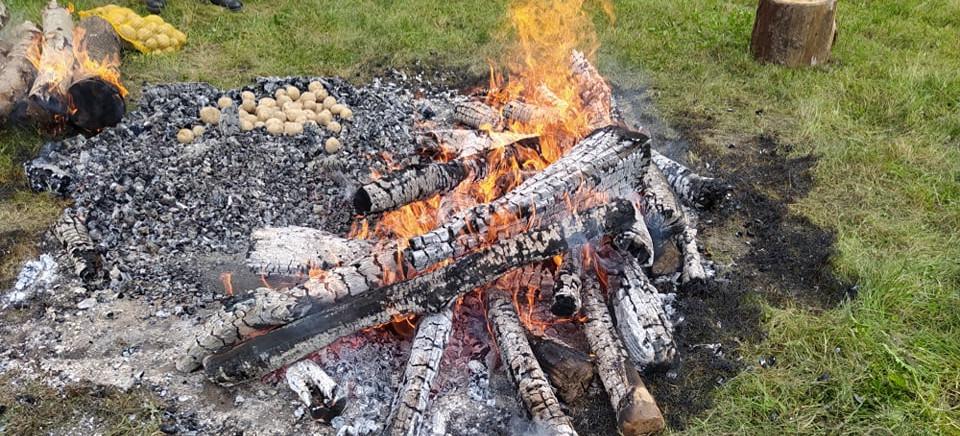 Święto Pieczonego Ziemniaka: KROPELKA WODY DLA UGANDY (VIDEO, FOTO)