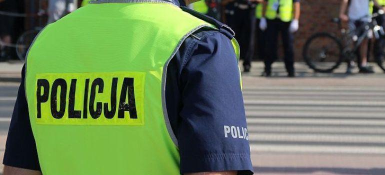 Podszywali się pod policjantów. Ukradli kilkadziesiąt tysięcy złotych!