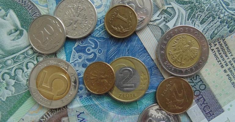Nie masz ciągle pieniędzy? Zobacz jak mądrze gospodarować domowym budżetem!