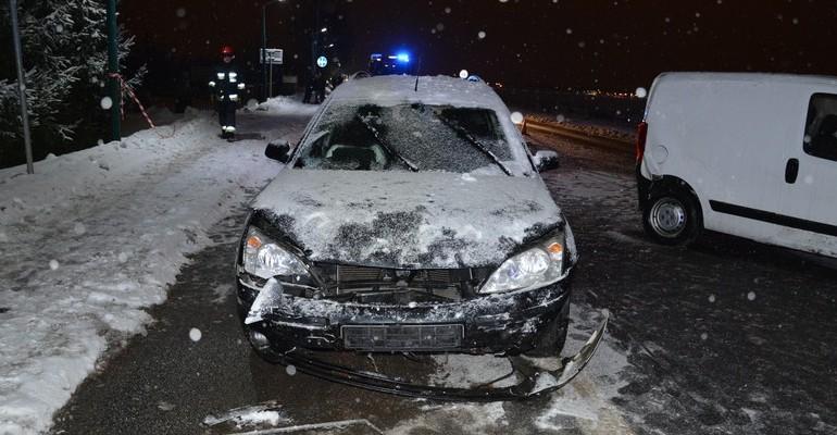 Pijany kierowca forda zderzył się z fiatem. Miał ponad 3 promile (ZDJĘCIA)