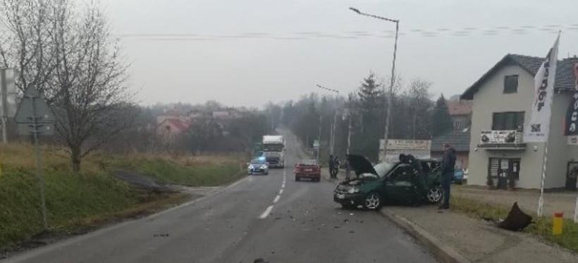 PODKARPACIE. Wypadek na DW nr 881. Jedna osoba w szpitalu! (FOTO)