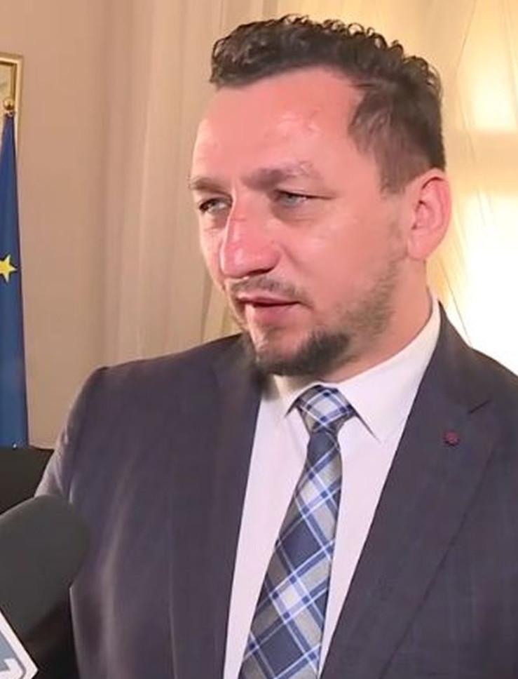 """Kontrowersyjny wywiad burmistrza Matuszewskiego. """"Nie ma sklepów, nie ma życia"""". """"Sypialnia"""" (VIDEO, ZDJĘCIA)"""