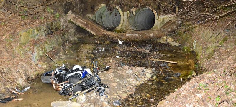 Tragiczny wypadek. Motocyklista uderzył w przepust (FOTO)