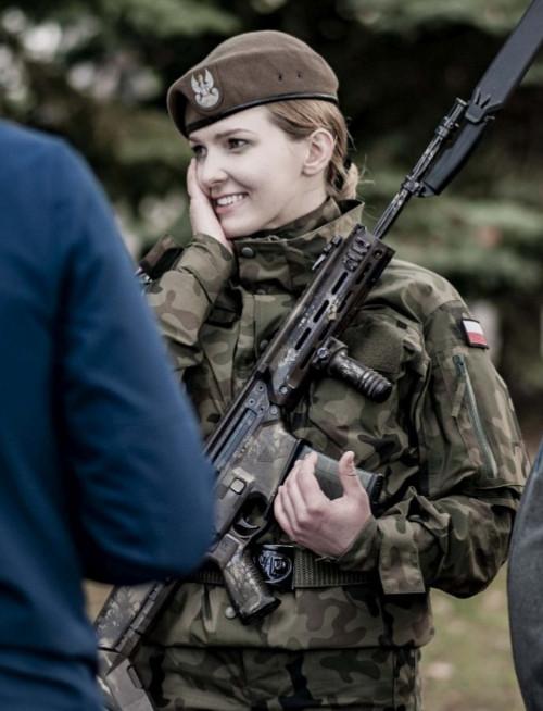 Terytorialsi przysięgali! Słowa roty wypowiedziało 20 ochotników (ZDJĘCIA)
